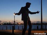 リバプールの英雄 BILLYFURYの銅像