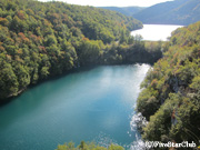 エメラルドグリーンのガヴァノヴァツ湖