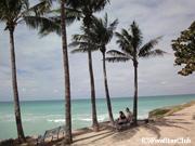 キューバ最大のリゾート バラデロは細かい白砂がどこまでも透明な海と溶け合う