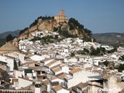 素朴なアンダルシアの白い村モンテフリオ