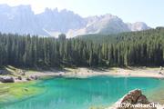 カレッツァ湖