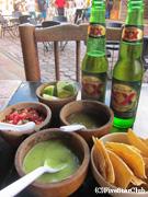 タコスとメキシコビール「ドスエキス」