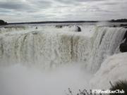 大迫力のイグアス滝「悪魔ののど笛」