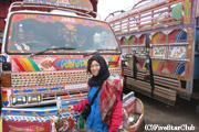 パキスタン名物デコレーショントラックと
