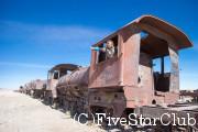 鉄道の墓場にて