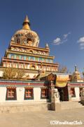 郭麻日寺/アムド地域で最大の仏塔