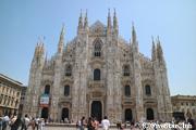 ミラノのシンボル ドゥオーモ 荘厳な聖堂建築