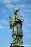 カレル橋の銅像