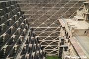 チャンドバオリ/幾何学模様の階段井戸