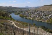 ランツフート城からのモーゼル河の眺望(ベルンカステル・クース)