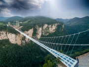 張家界 大峡谷のガラスの大橋