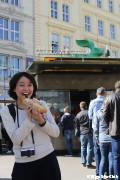 アルべルティーナ広場にて ソーセージがジューシーでおいしいんです!