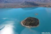 タスマン氷河遊覧飛行からみたテカポ湖